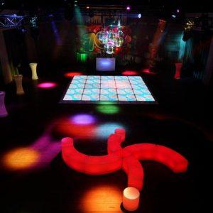 70s-theme-party-2