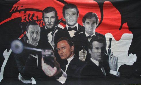 Large Backdrop - Bond Men