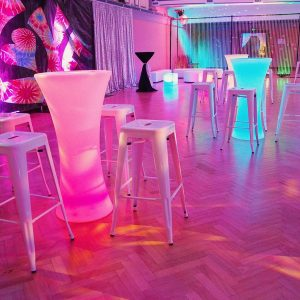 1970s-party-theme-furniture