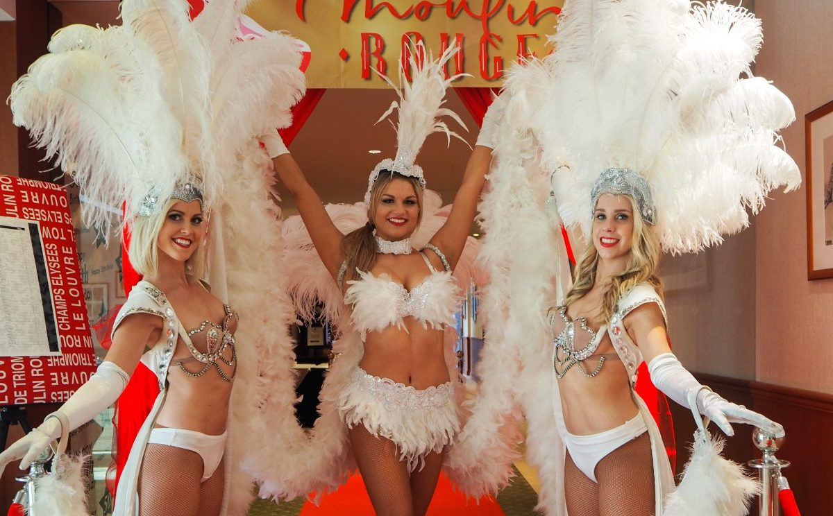 showgirls live performers