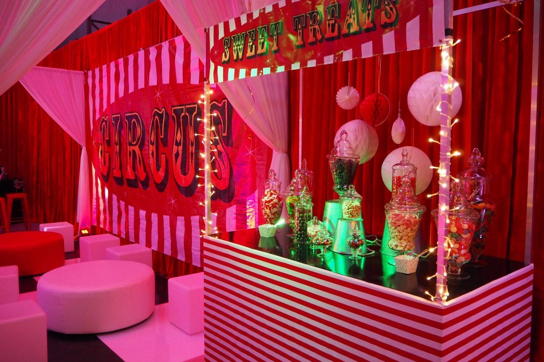 Food Stations circus