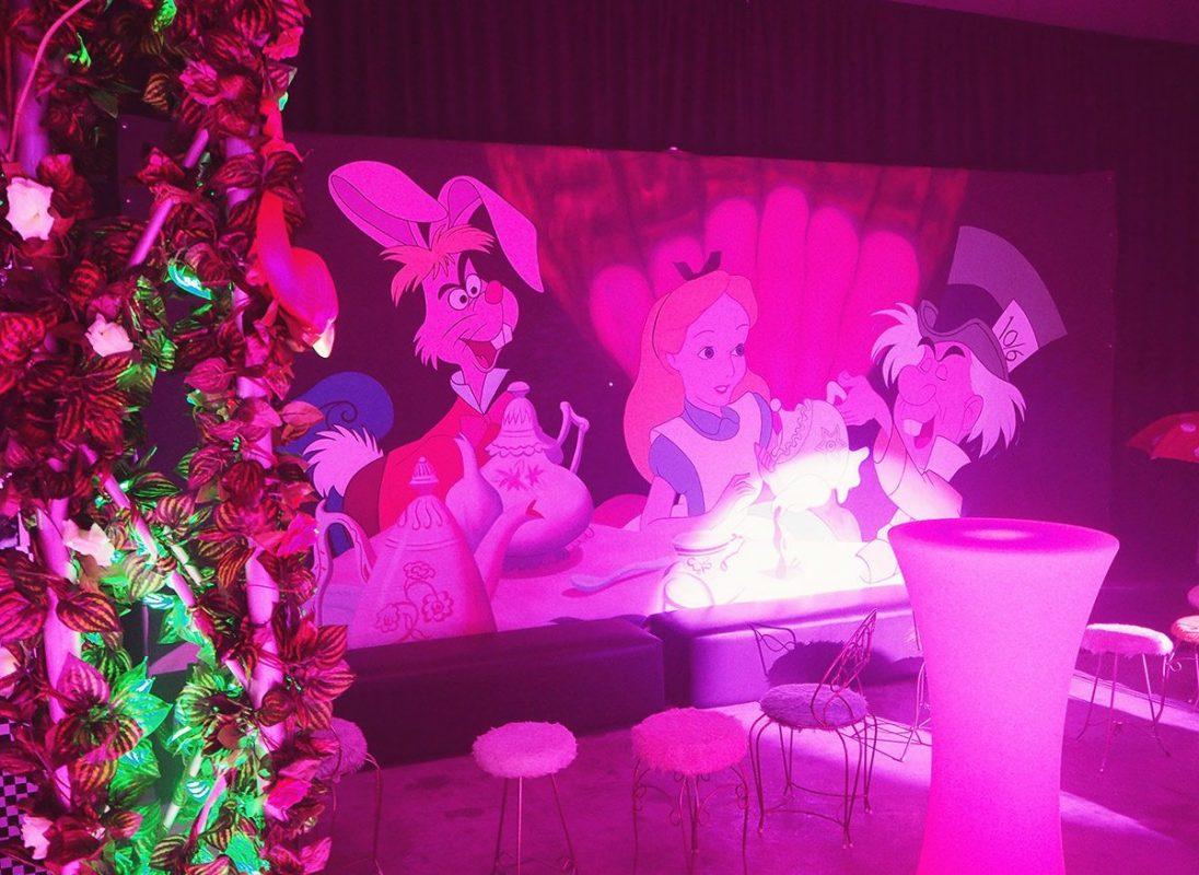 Large Backdrop - Alice In Wonderland