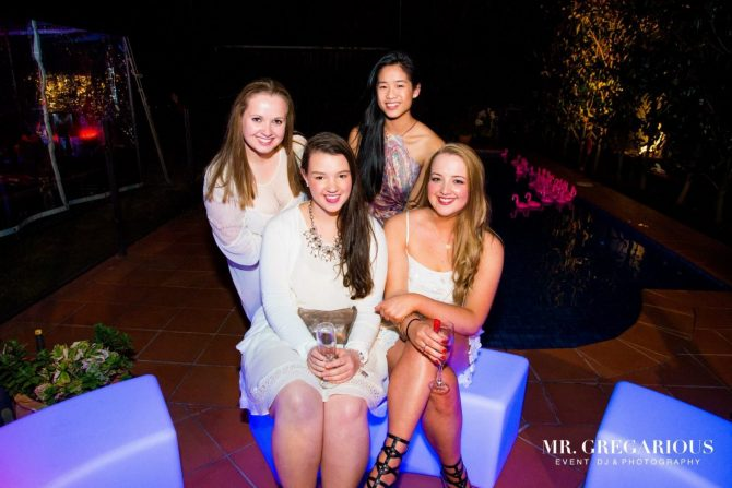 casino-party-illuminated-furniture