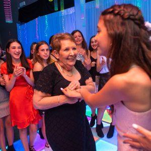 Jennas bat mitzvah on the dance floor 1