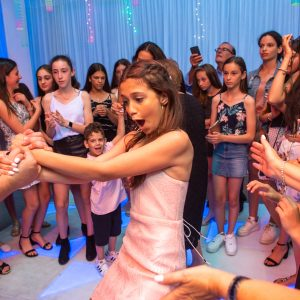Kids dance floor party hire in melbourne feel good events