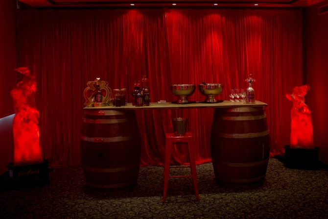 Wine_Barrel_Bar_Champagne_Bowl - Ice_and_Fire_Theme - Feel_Good_Event.jpg