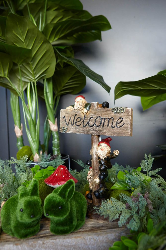 gnome welcome sign hire melbourne
