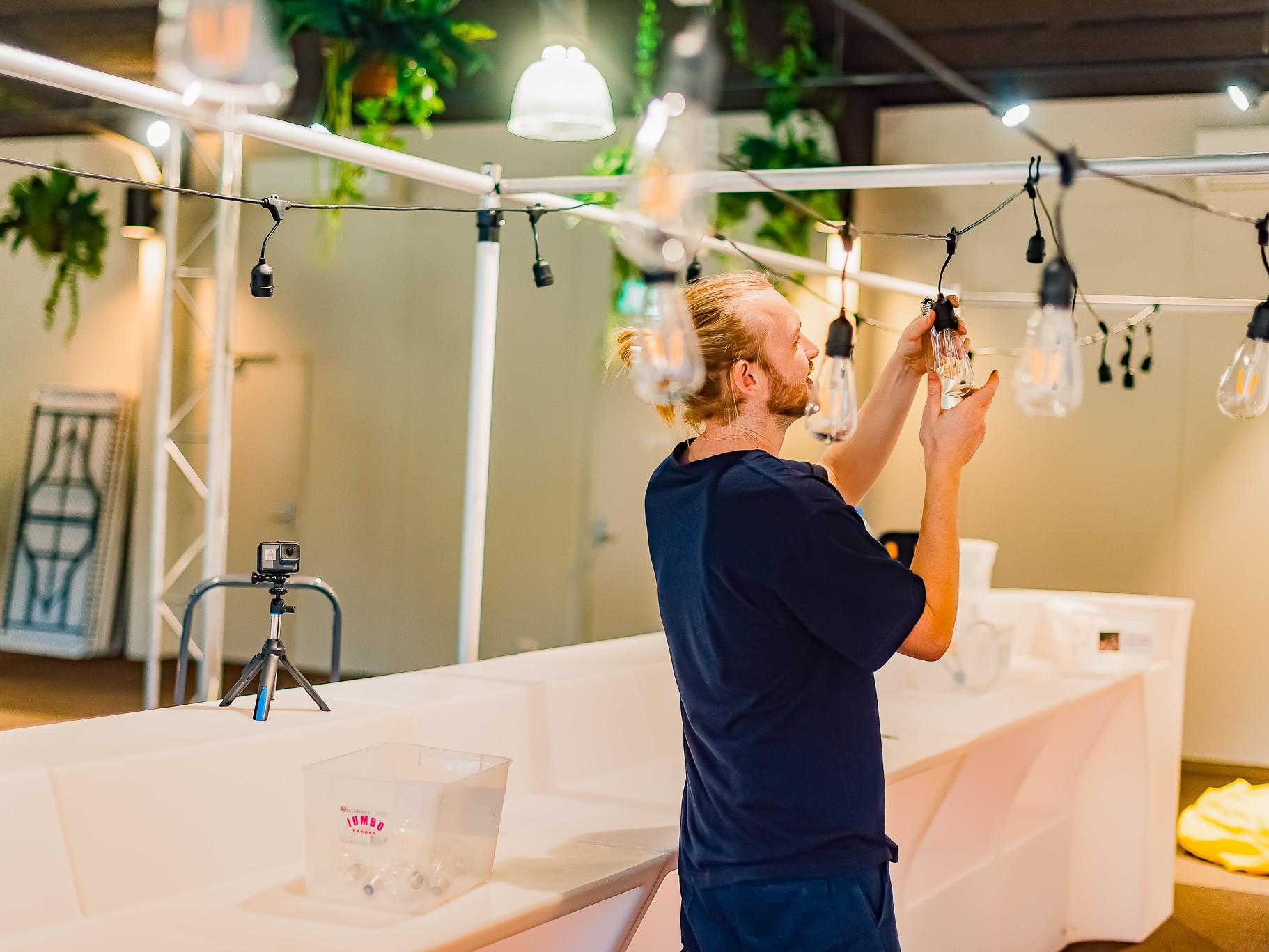 Helping hand event serviceFGE - Leopard Lodge Transformation   Melbourne Zoo set up